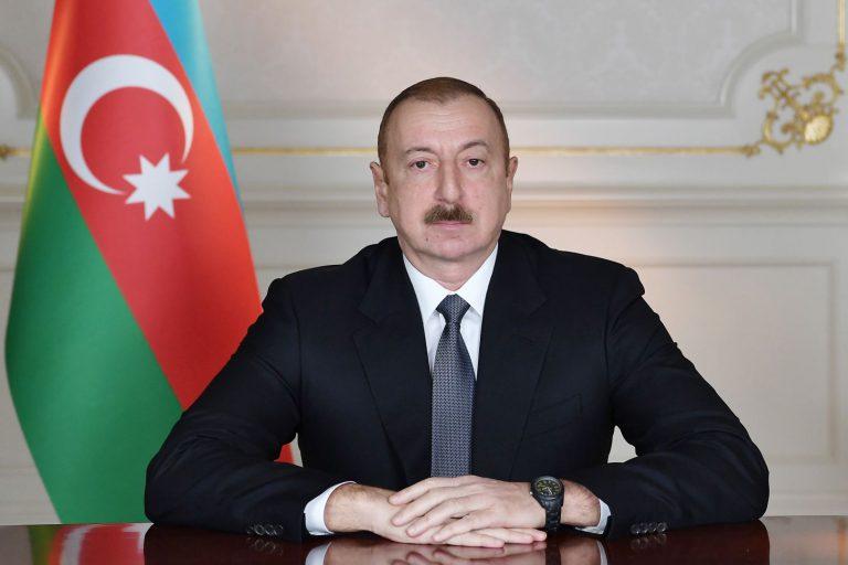 Prezident İlham Əliyev Xalq şairi Fikrət Qocanı təbrik edib