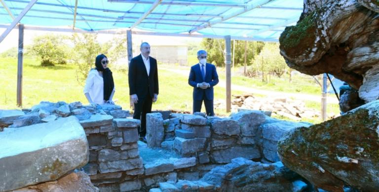 İlham Əliyev Şamaxıda Pir Ömər Sultan ziyarətgahında olub
