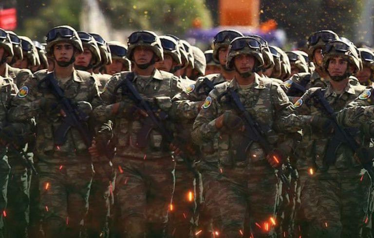 Ermənistanda orduya muzdlular cəlb edilir, Azərbaycanda isə minlərlə gənc könüllü olaraq ordu sıralarına yazılır – Ekspert
