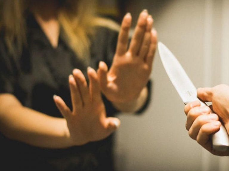 Lənkəranda bacı bacını bıçaqladı
