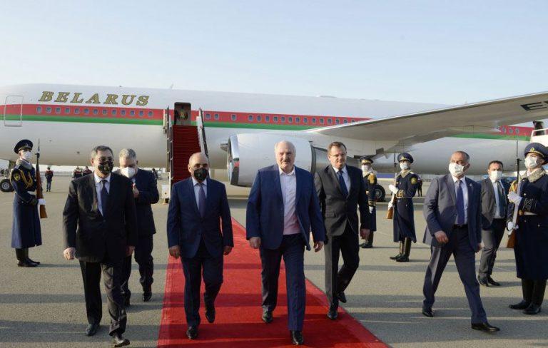 Belarus Prezidenti Aleksandr Lukaşenko Azərbaycana işgüzar səfərə gəlib (FOTO)