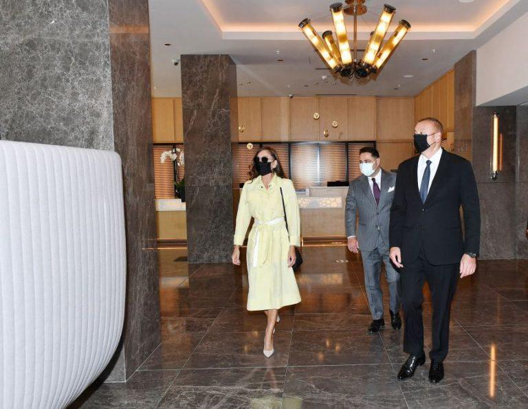 """Prezident İlham Əliyev və birinci xanım Mehriban Əliyeva """"Courtyard by Marriott Baku"""" otelinin açılışında iştirak ediblər (FOTO/VİDEO)"""
