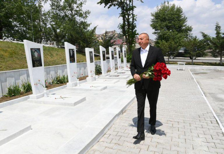 Prezident İlham Əliyev Daşkəsəndə Şəhidlər xiyabanını ziyarət edib (FOTO)