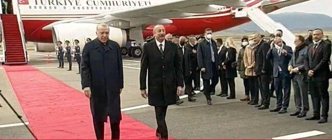 """Ərdoğan Füzulidə: """"Açıq havada maska taxmayın"""" – VİDEO"""