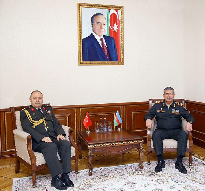 Türkiyənin yeni hərbi attaşesi Zakir Həsənovla görüşüb
